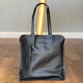 Shoulder Bag With Tassel in Black