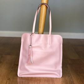 Shoulder Bag With Tassel in Pink