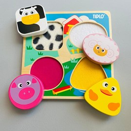 Touch and Feel Farm Puzzle