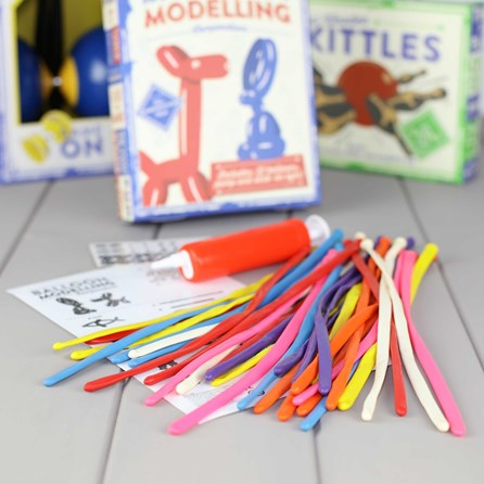 Balloon Modelling Compendium Kit