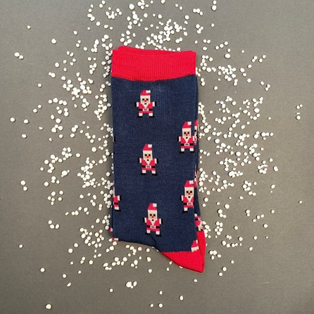 Men's Bamboo Pixel Santa Socks In Navy