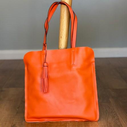Shoulder Bag With Tassel in Orange