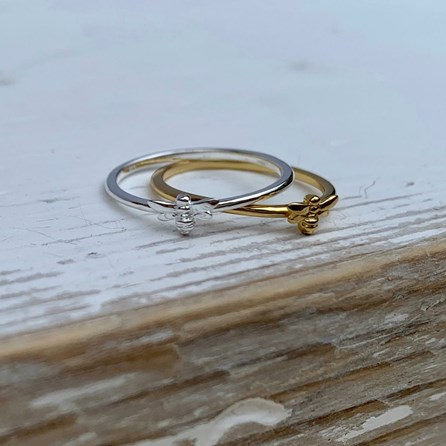 Baby Bee Ring