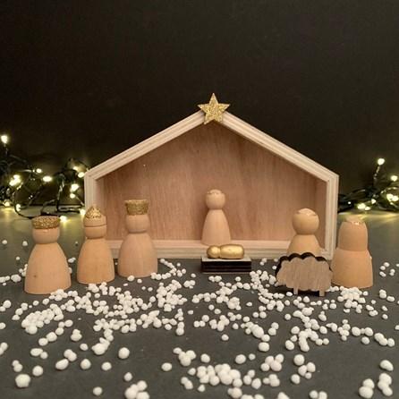 Wooden Manger Scene Christmas Decoration