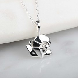 Stunning Silver Origami Snail Necklace