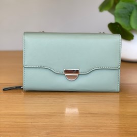 Clutch Bag in Green