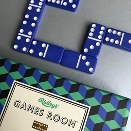 Stunning Dominoes Set