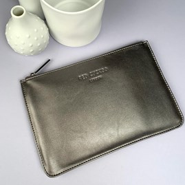 Stunning Pouch In Metallic Grey