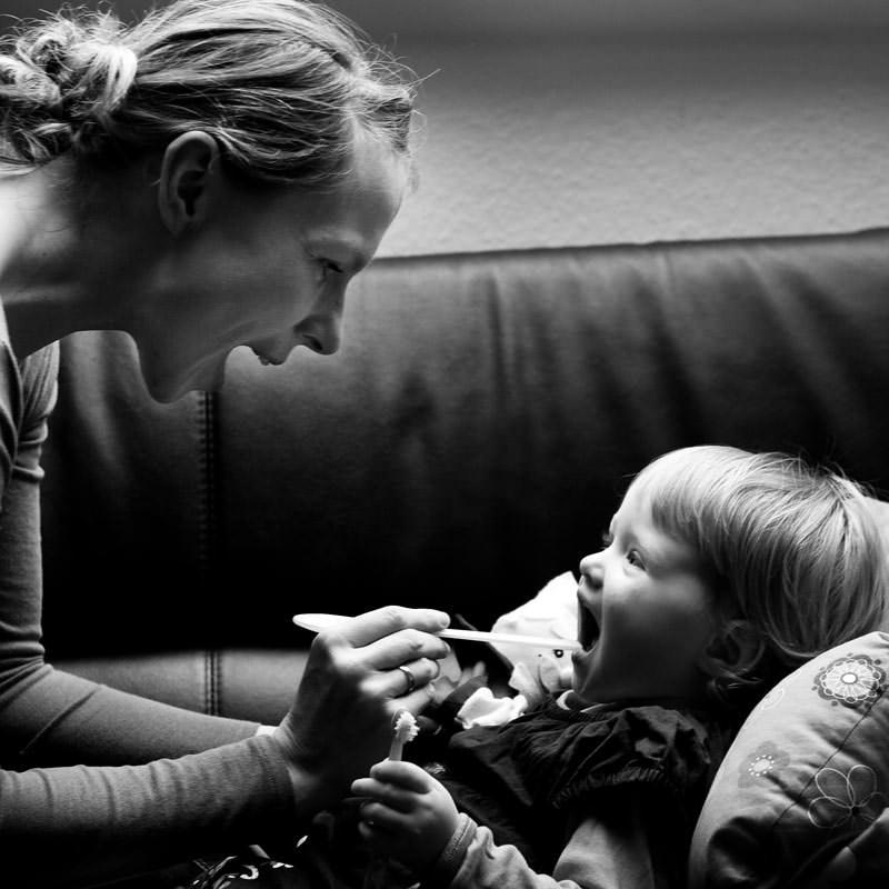 zahnen beim baby vom umgang mit schmerz und medikamenten. Black Bedroom Furniture Sets. Home Design Ideas