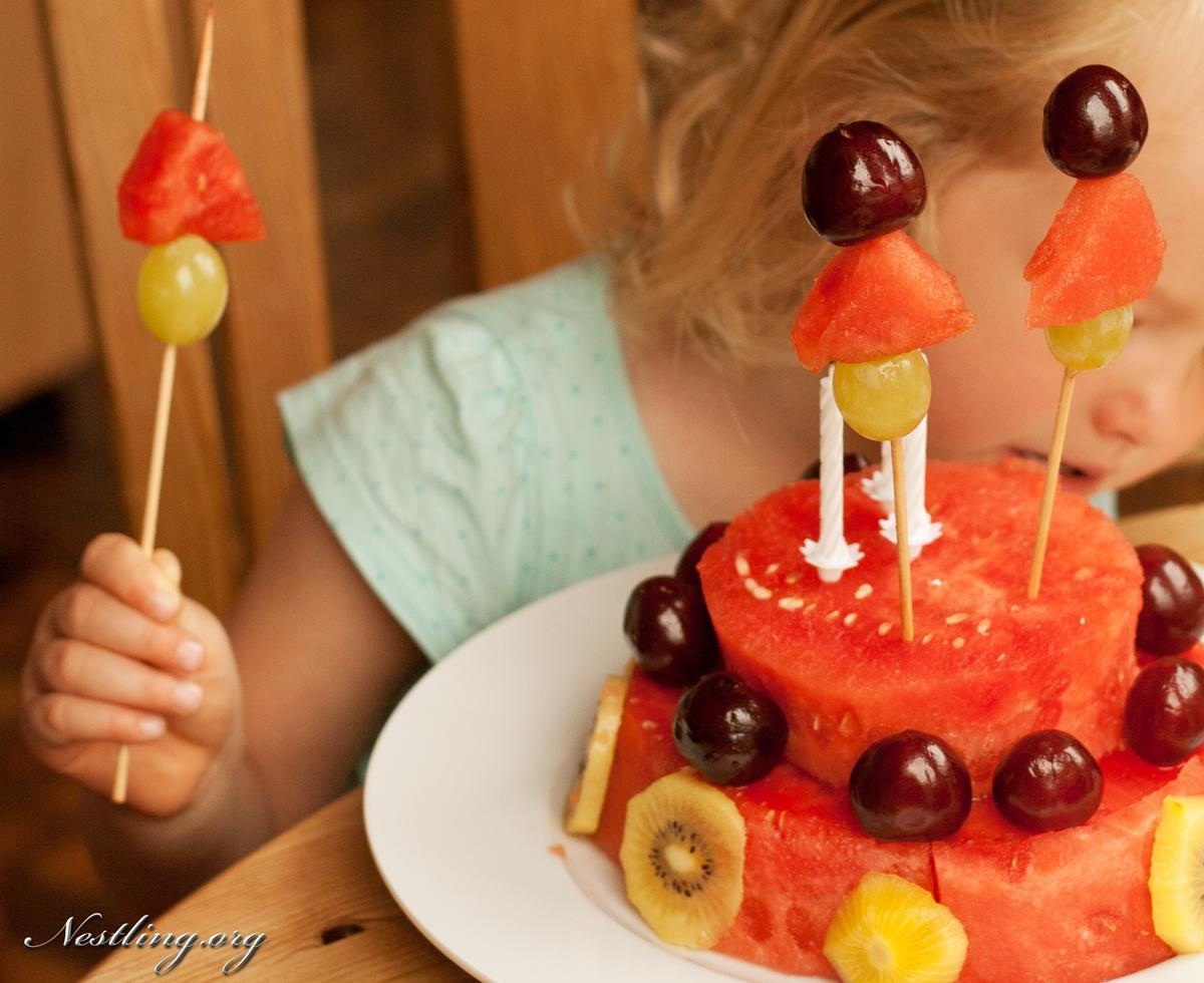 Geburtstagstorte Aus Obst Nestling