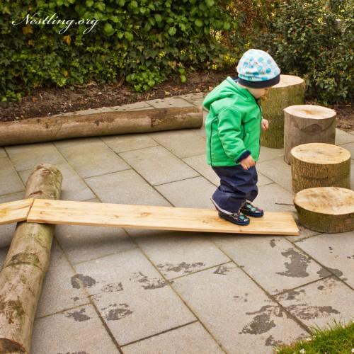 Ein spielgarten zum matschen verstecken klettern und naschen nestling - Gartengestaltung kinder ...