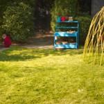 Ein Spielgarten zum Matschen, Verstecken, Klettern und Naschen