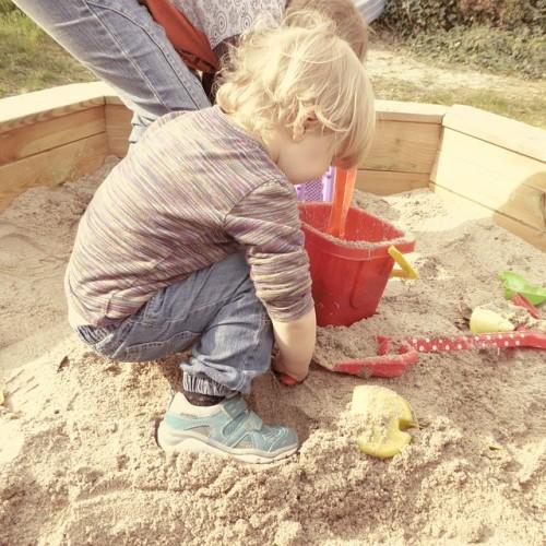 sand-pit-722378_640