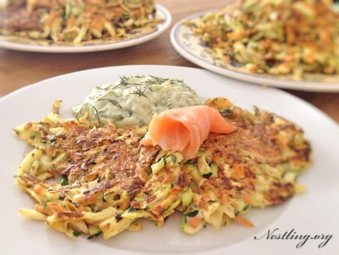 Zucchini-Moehre-Sellerie-Puffer