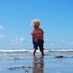 Warum es gerade in der bedürfnisorientierten Elternschaft Sinn macht, deinem Kind finanzielle Bildung mit auf seinen Weg zu geben