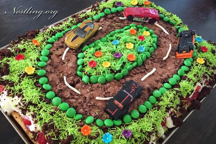 Rennbahnkuchen-Geburtstagskuchen