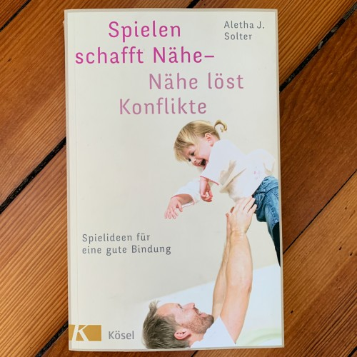 Spielen-schafft-naehe-Buch