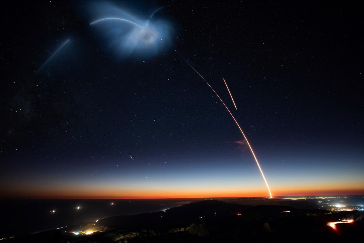 space x satellite launch photo