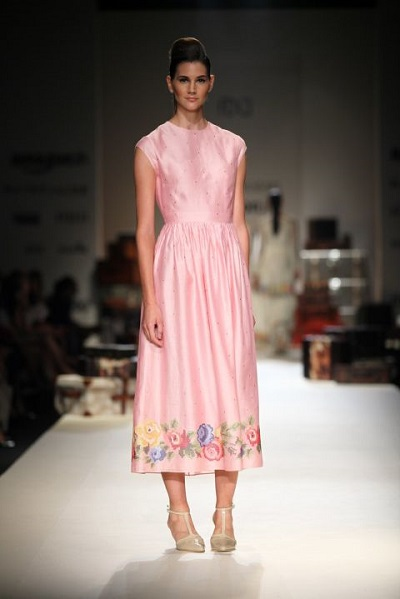 The power of two! Payal Pratap combines powder pink and delicate flowers to create this feminine outfit @ AIFW SS16