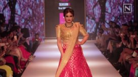Raveena Tandon Walks for Purva Pardeshi at PFW 2016
