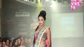 Actor Parvathi walks for Anuradhaa Bisani