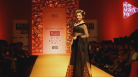 Phulkari Delight by Manish Malhotra