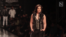 Richa Chadha Walks for Rohit Kamra at Amazon India Fashion Week 2017
