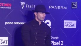 Watch Karan Singh Grover Shares his Personal Style