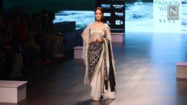 Yami Gautam Looks Gorgeous as Showstopper for Manish Malhotra at Lakme Fashion Week SR 2018