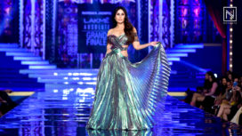 Kareena Kapoor Khan Scorches the Ramp as a Showstopper for Monisha Jaising at LFW WF18