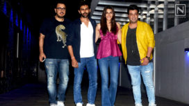 Luka Chuppi Team Kriti Sanon & Kartik Aaryan Among Others Spotted at a Restaurant