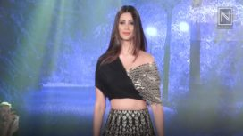 Daisy Shah Turns Showstopper for Reeti Arneja at The Wedding Show 2018