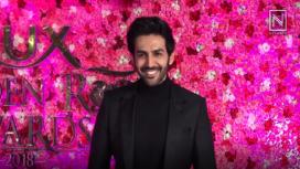 Kartik Aaryan's Blushes as he Hears about Sara Ali Khan's Desire to Date Him