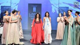 Chitrangada Singh Turns Muse to Anjali Verma at Lakme Fashion Week Summer Resort 2019
