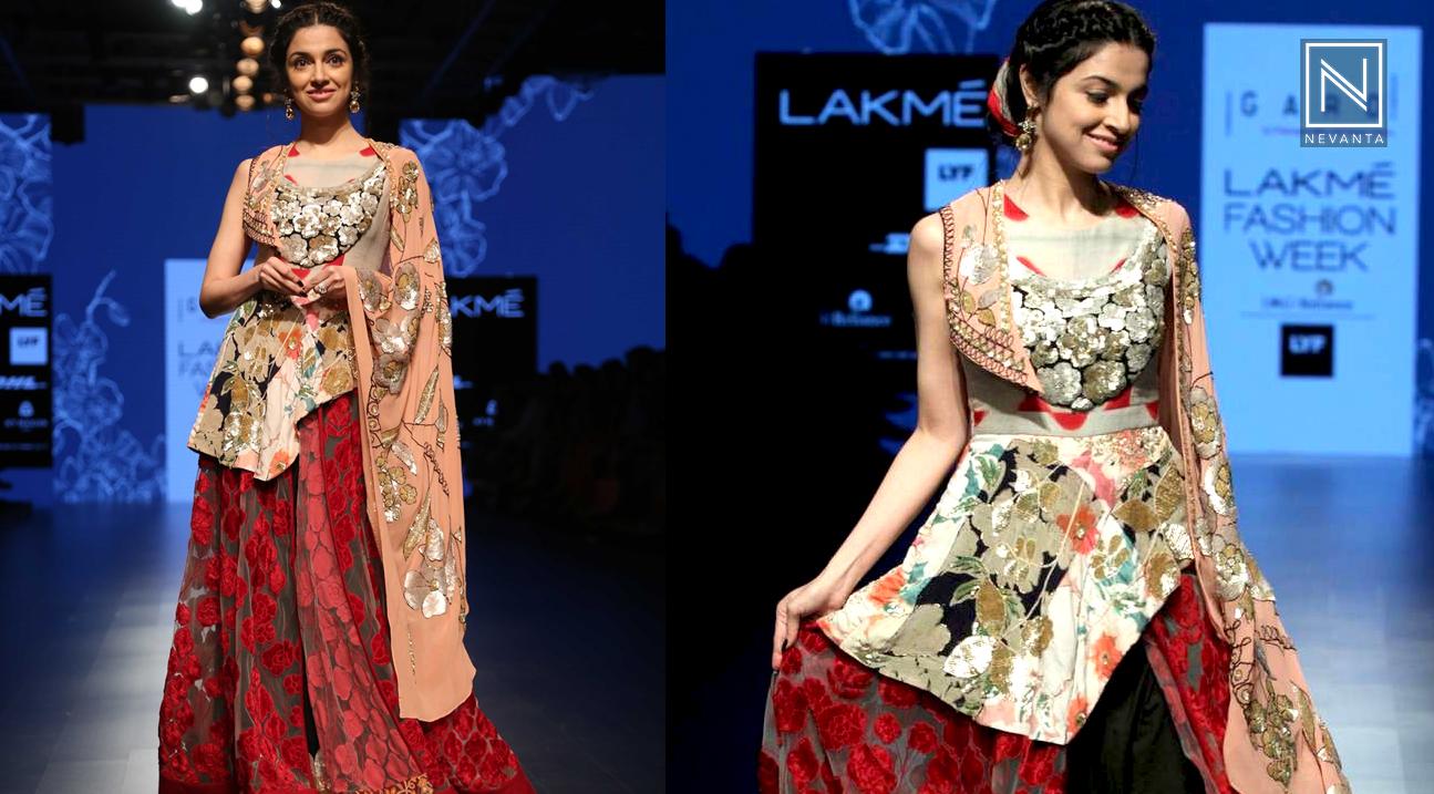Divya Khosla Kumar Stuns As Showstopper For Parvathi Dasari At Lakme Fashion Week Summer Resort 2019 Nevanta