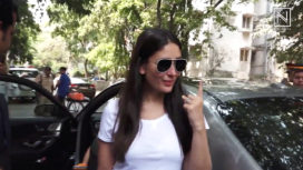 Bollywood Celebrities Cast their Votes in Mumbai