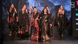 Karisma Kapoor Turns Perfect Muse to Sanjukta Dutta at LMIFW AW19