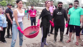 Esha Gupta and Others at the 100th week of Dadar Beach Clean Up