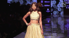 Shilpa Shetty Turns Perfect Muse to Punit Balana at LFW Winter Festive19