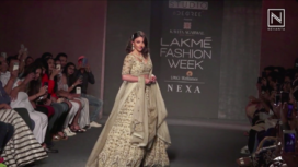 Soha Ali Khan Glides the Runway as the Showstopper for Kavita Agarwal at LFW Winter Festive19