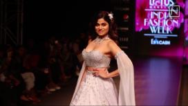 Shamita Shetty Turns Showstopper for Priya Machineni at LMIFW SS20