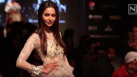 Rakul Preet Walks the Ramp for Divya Reddy at Lotus Makeup India Fashion Week SS20