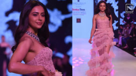 Rakul Preet Glides the Ramp for Avantika Parwani at Bombay Times Fashion Week 2019