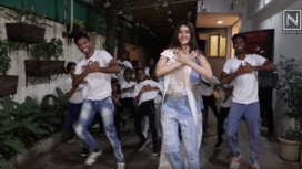 Kriti Sanon hosts a Special Screening of her Movie Panipat for NGO Kids