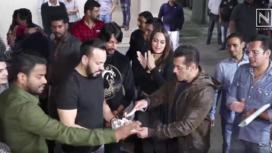 Bollywood Celebrities Amp up their Fashion Game at Salman Khan's Birthday Bash