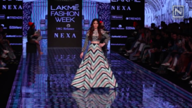 Alaya F Turns Perfect Muse to SVA by Sonam and Para Modi at LFW SR 20