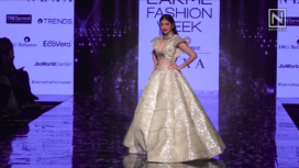 Divya Khosla Kumar Walks the Ramp for Krsna Couture at LFW SR 20