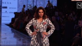 Sania Mirza Struts Through the Runway for Label EKA at LFW SR 20