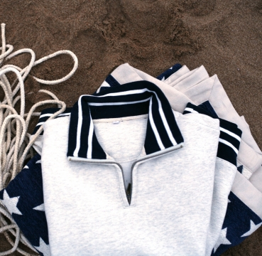 Yale zip sweater