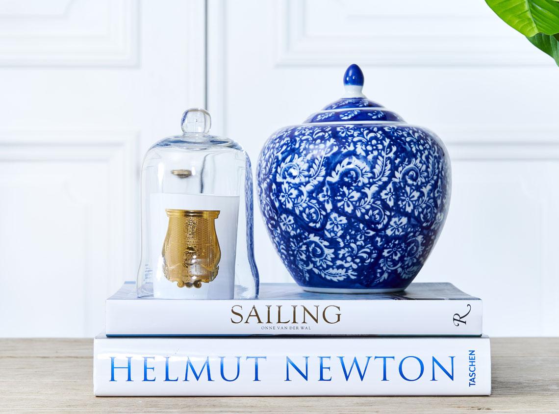 Helbild bluewhite1